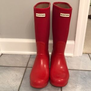 Hunter tall red rain boots size 9